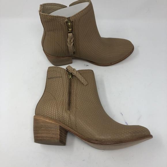 ffb92b25f12 Wolverine Ella 7M Side Zip Beige Block Heel Boots